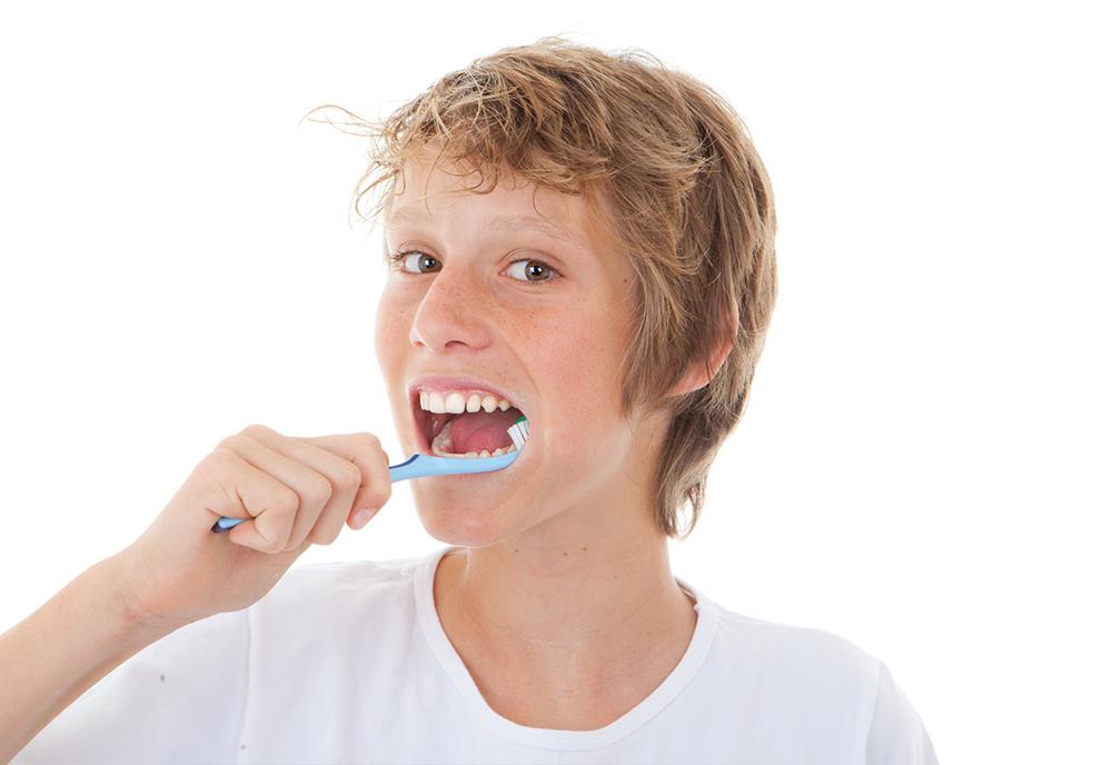 Orthodontie invisible pour adolescent Invisalign