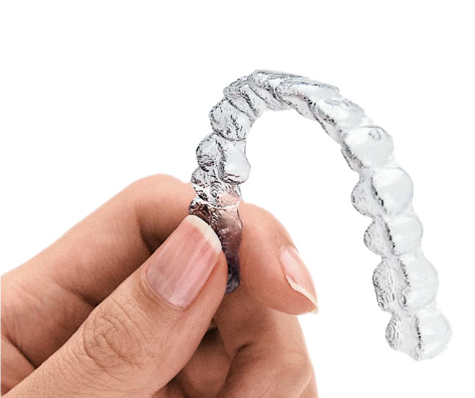 Les gouttières transparentes Invisalign par l'orthodontiste à Thiais